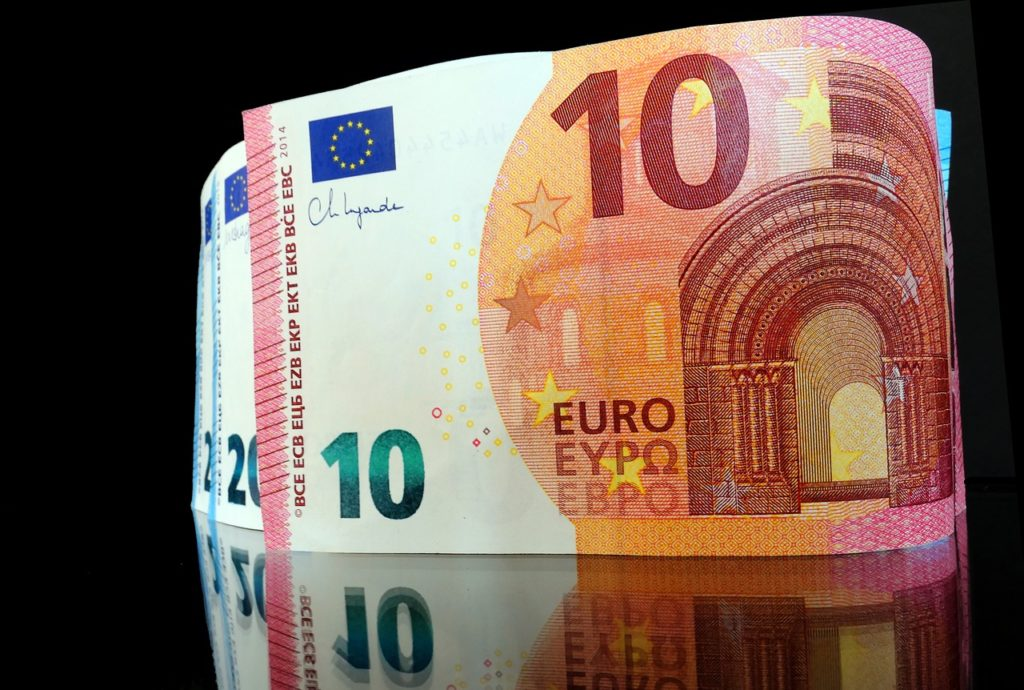 Euro Money Bills Finance Currency - moritz320 / Pixabay